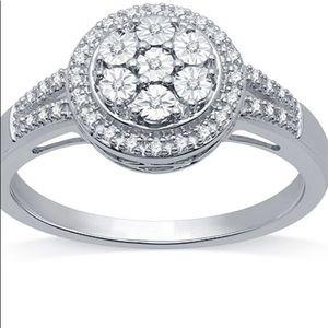 NIB Stunning Sterling Silver Diamond Ring Sz 7